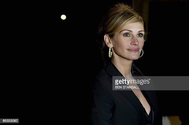 US actress Julia Roberts arrives at the world premier of the movie Duplicity at the Empire Cinema in Leicester Square Central London on March 10 2009...