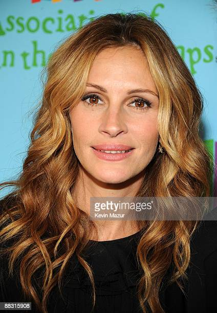 Actress Julia Roberts attends the celebration of Paul Newman's Hole in the Wall Camps at Avery Fisher Hall at Lincoln Center for the Performing Arts...