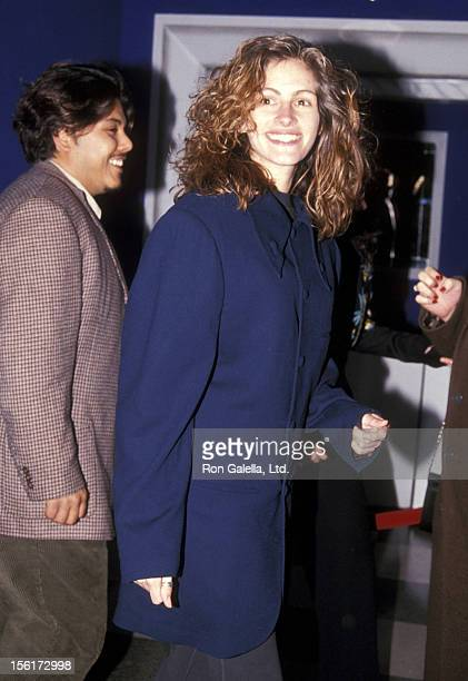 Actress Julia Roberts attends the Creative Coalition Benefit Gala to Celebrate the New Broadway Play 'A Streetcar Named Desire' on April 14 1992 at...