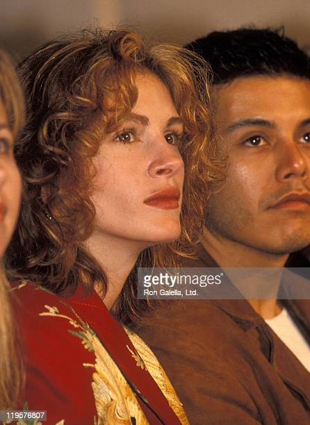 Actress Julia Roberts attends the Fall 1994 Fashion Week Richard Tyler Fashion Show on April 13 1994 at Bryant Park in New York City