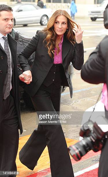 Actress Julia Roberts attends the 'Mirror Mirror' premiere at Grauman's Chinese Theatre on March 17 2012 in Hollywood California
