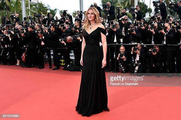 Actress Julia Roberts attends the 'Money Monster' premiere during the 69th annual Cannes Film Festival at the Palais des Festivals on May 12 2016 in...
