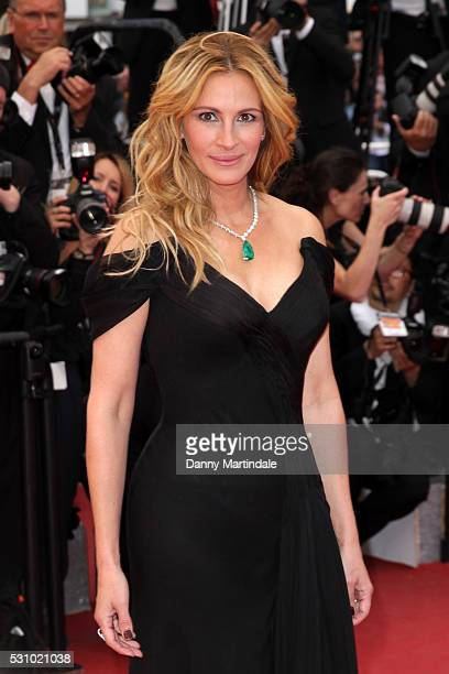 Actress Julia Roberts attends the Money Monster premiere during the 69th annual Cannes Film Festival at the Palais des Festivals on May 12 2016 in...