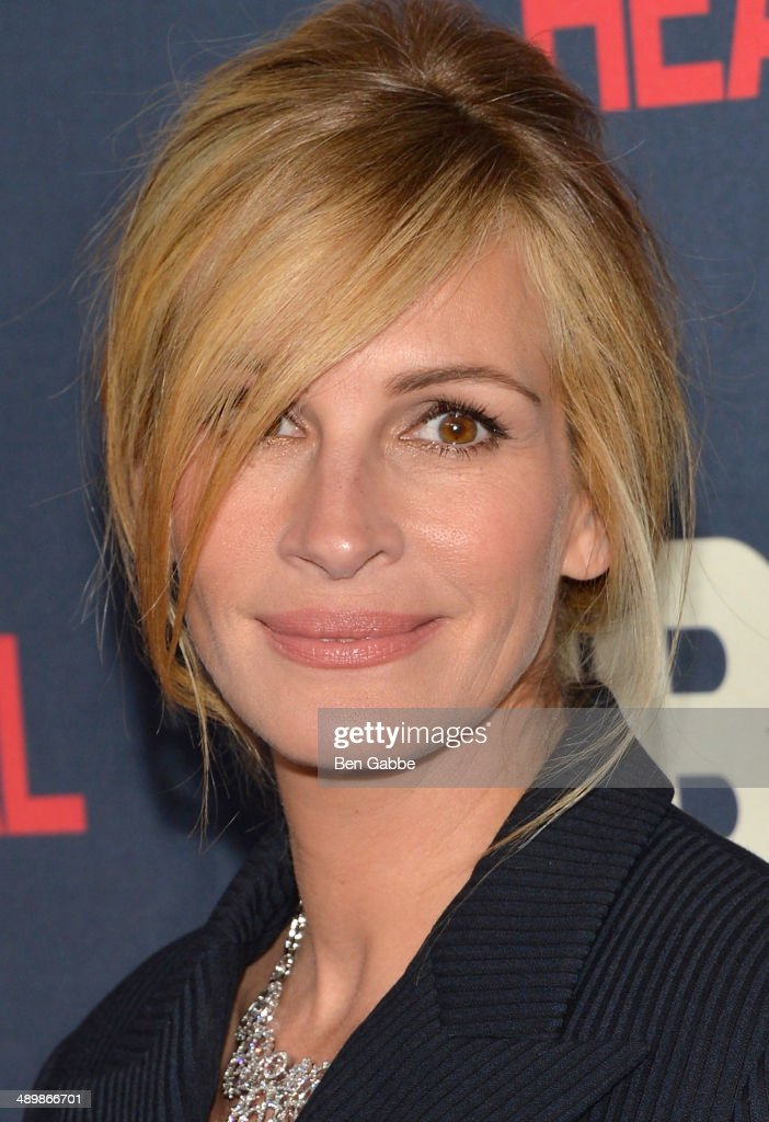 actress julia roberts attends the new york premiere of 39 the normal photo d 39 actualit getty. Black Bedroom Furniture Sets. Home Design Ideas