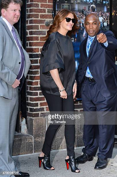 """Actress Julia Roberts leaves the """"Late Show With David Letterman"""" taping at the Ed Sullivan Theater on May 13, 2015 in New York City."""