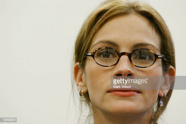 Actress Julia Roberts testifying before the House Appropriations Sub-Committee on the RETT syndrome, May 9, 2002 on Capitol Hill in Washington, DC....