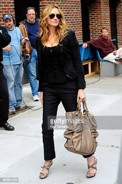 Actress Julia Roberts visits the Late Show With David Letterman at Ed Sullivan Theater on June 9 2009 in New York City
