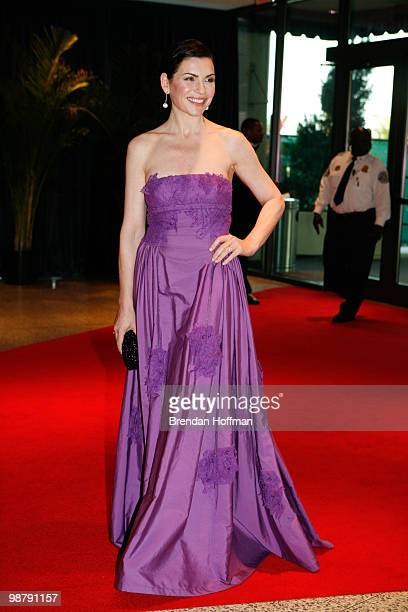 Actress Julianna Margulies arrives at the White House Correspondents' Association dinner on May 1 2010 in Washington DC The annual dinner featured...