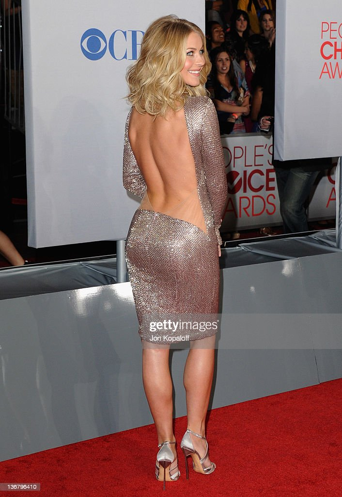 Actress Julianne Hough arrives at 2012 Peoples Choice