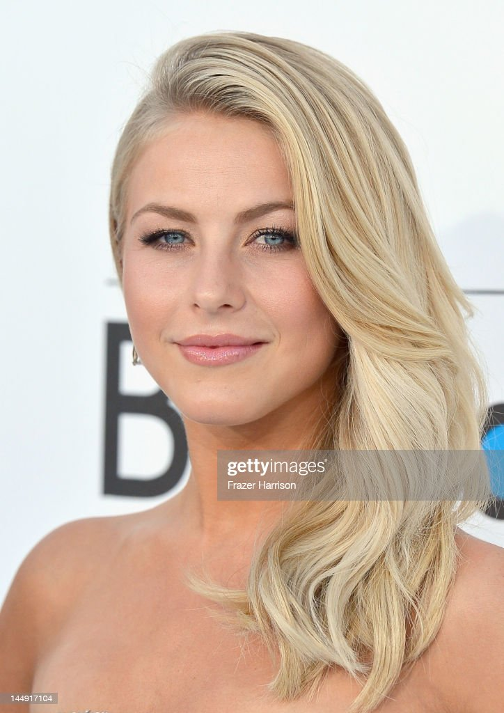 Actress Julianne Hough arrives at the 2012 Billboard Music Awards held at the MGM Grand Garden Arena on May 20, 2012 in Las Vegas, Nevada.