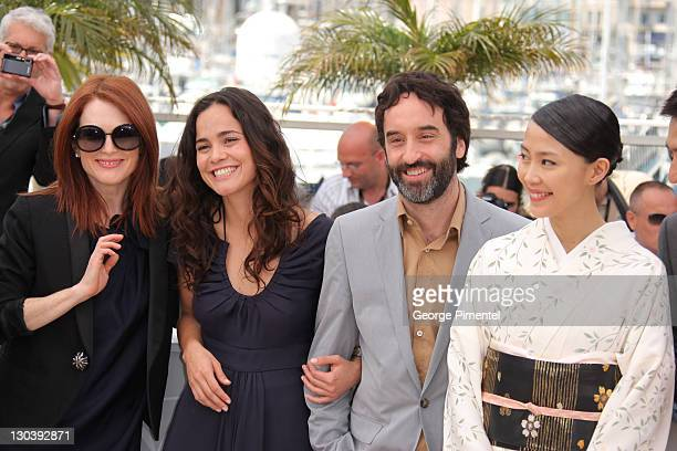 Actress Julianne Moore Actress Alice Braga Actor Don McKellar and Actress Yoshino Kimura attend the Blindness photocall during the 2008 Cannes Film...