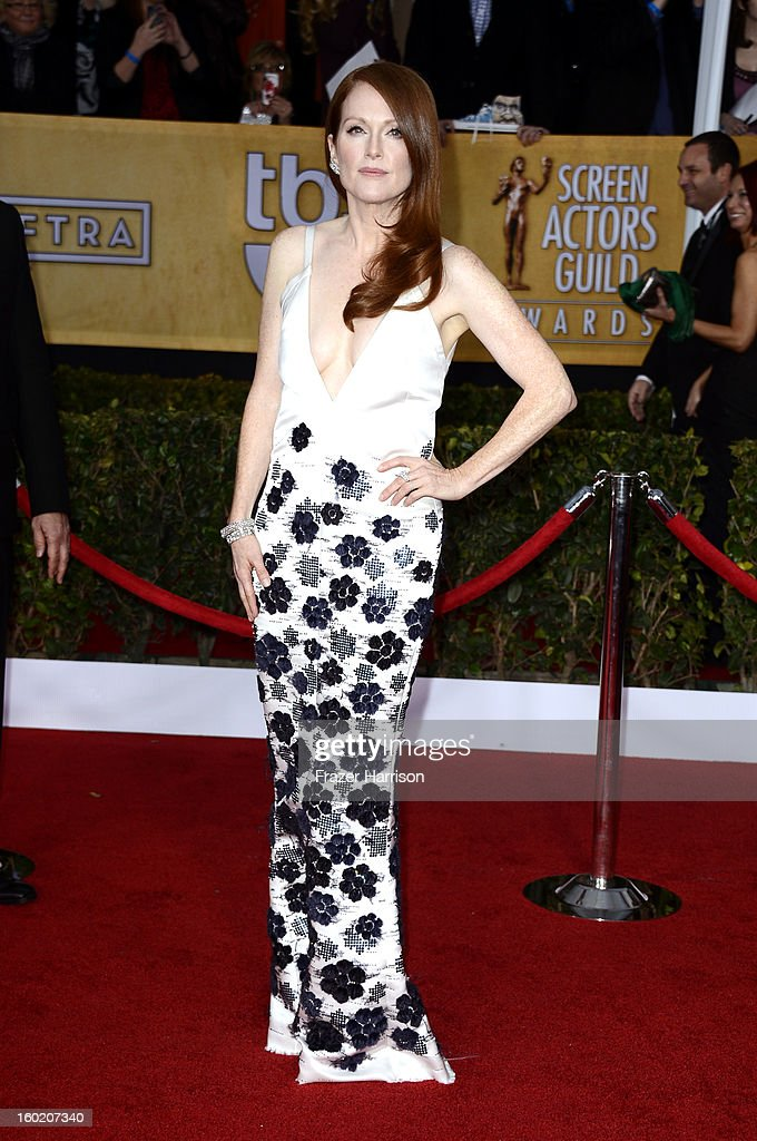 19th Annual Screen Actors Guild Awards - Arrivals : News Photo