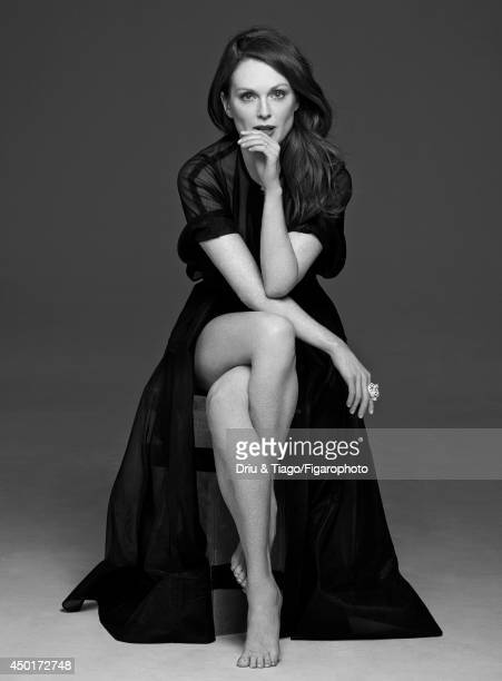 Actress Julianne Moore is photographed for Madame Figaro on February 17 2014 in Paris France Dress ring Makeup by L'Oreal Paris PUBLISHED IMAGE...