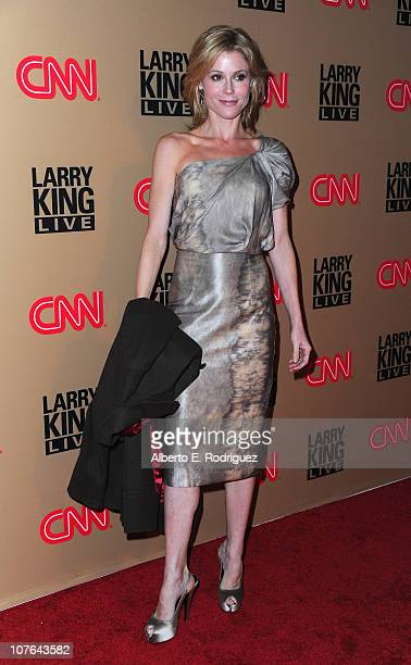 """Actress Julie Bowen arrives at CNN's """"Larry King Live"""" final broadcast party at Spago restaurant on December 16, 2010 in Beverly Hills, California."""