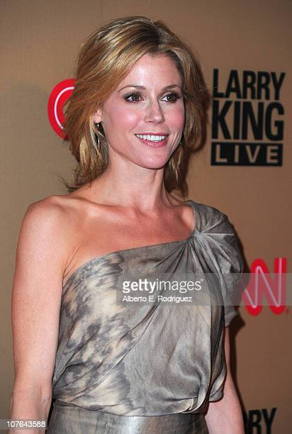 Actress Julie Bowen arrives at CNN's Larry King Live final broadcast party at Spago restaurant on December 16 2010 in Beverly Hills California