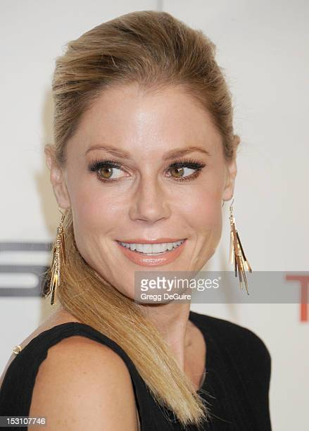 Actress Julie Bowen arrives at the 2012 Environmental Media Awards at Warner Bros Studios on September 29 2012 in Burbank California