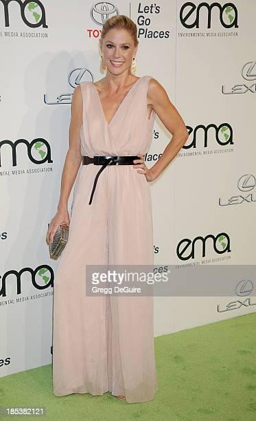 Actress Julie Bowen arrives at the 2013 Environmental Media Awards at Warner Bros Studios on October 19 2013 in Burbank California