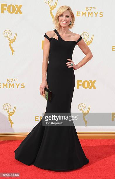 Actress Julie Bowen arrives at the 67th Annual Primetime Emmy Awards at Microsoft Theater on September 20 2015 in Los Angeles California
