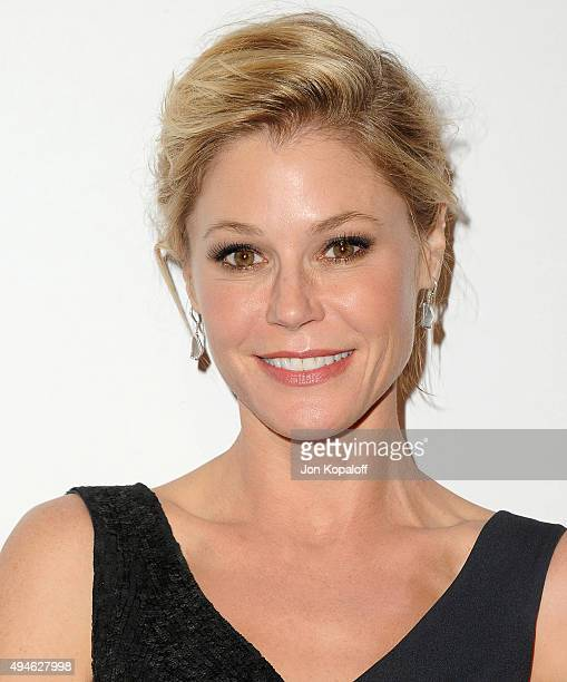 Actress Julie Bowen arrives at the International Women's Media Foundation Courage Awards at the Beverly Wilshire Four Seasons Hotel on October 27...