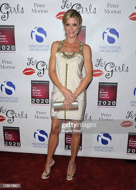 Actress Julie Bowen arrives at the LES GIRLS 11th annual celebrity cabaret to benefit the National Breast Cancer Coalition Fund at Avalon on October...