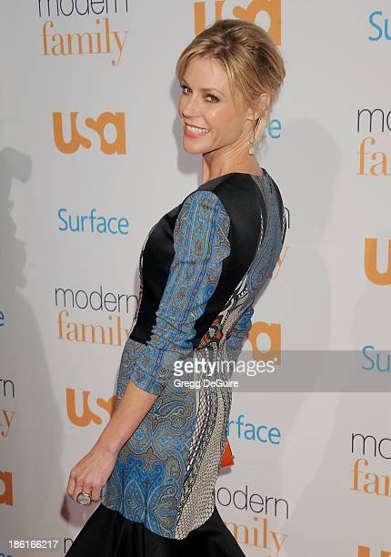 Actress Julie Bowen arrives at the Modern Family Fan Appreciation Day at Westwood Village Theatre on October 28 2013 in Westwood California