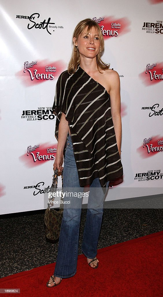 Jeremy Scotts Fall 2003 Preview During Fashion Week In Los Angeles : News Photo