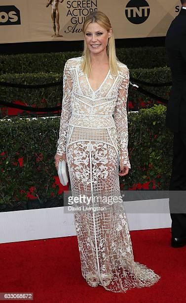 Actress Julie Bowen attends the 23rd Annual Screen Actors Guild Awards at The Shrine Expo Hall on January 29, 2017 in Los Angeles, California.