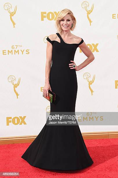Actress Julie Bowen attends the 67th Annual Primetime Emmy Awards at Microsoft Theater on September 20, 2015 in Los Angeles, California.