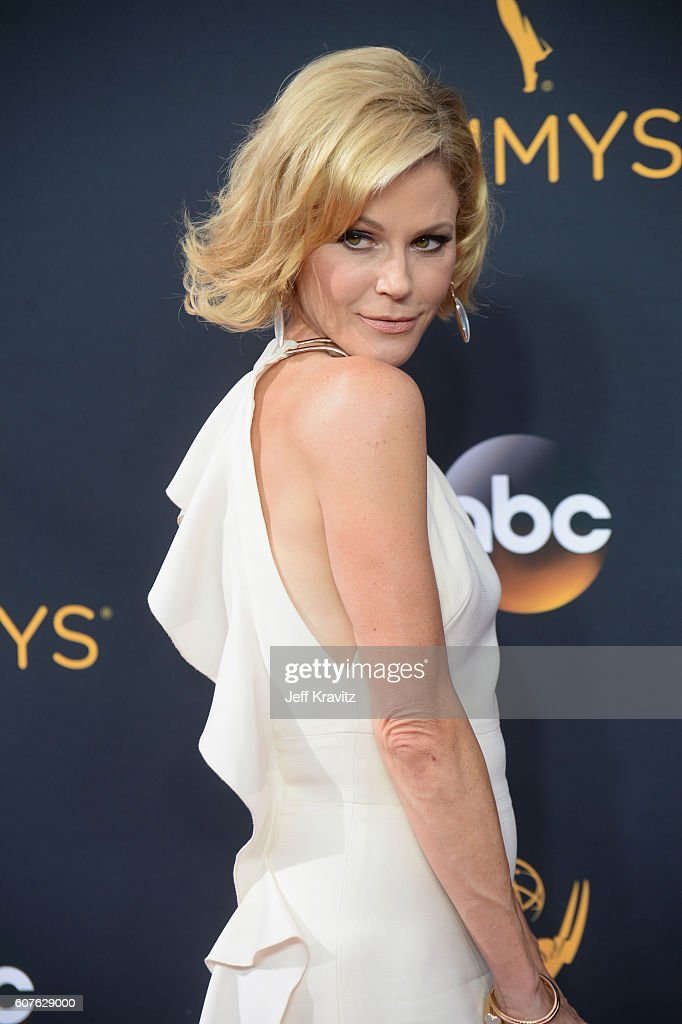 Actress Julie Bowen attends the 68th Annual Primetime Emmy Awards at Microsoft Theater on September 18, 2016 in Los Angeles, California.