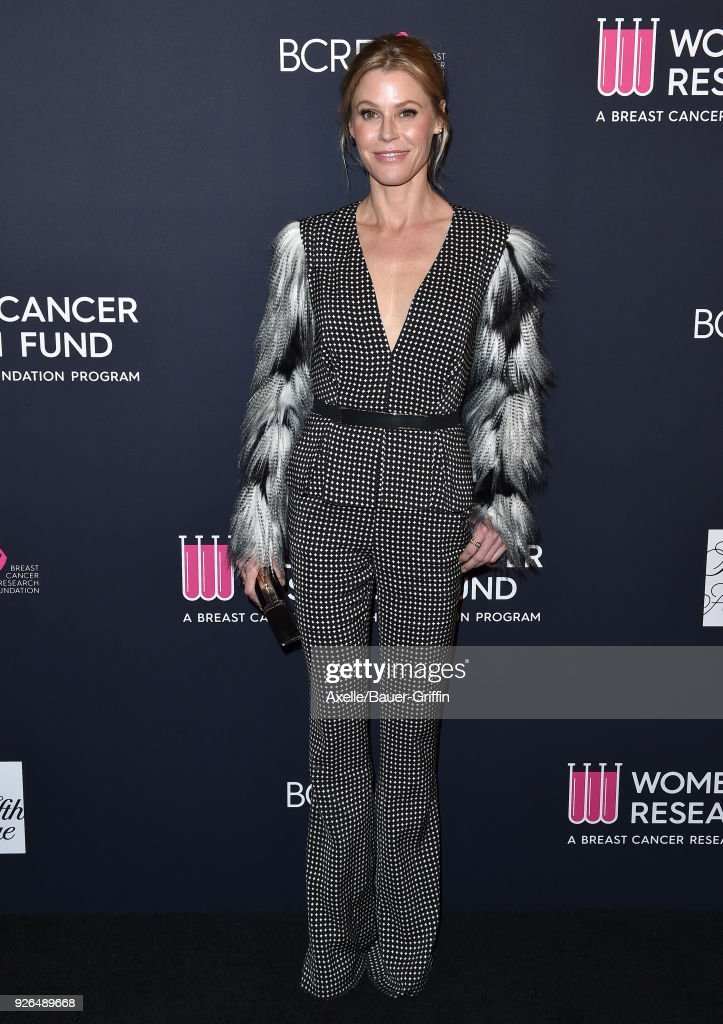 Actress Julie Bowen attends Women's Cancer Research Fund's An Unforgettable Evening Benefit Gala at the Beverly Wilshire Four Seasons Hotel on February 27, 2018 in Beverly Hills, California.