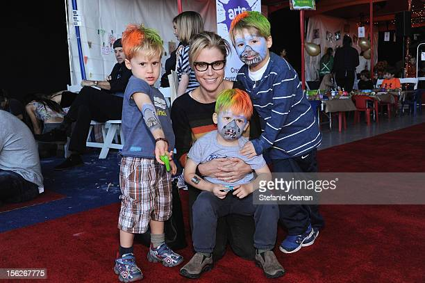 """Actress Julie Bowen with sons Oliver, Gustav and John attend the creative arts fair and family day """"Express Yourself"""", supporting P.S. ARTS, at..."""