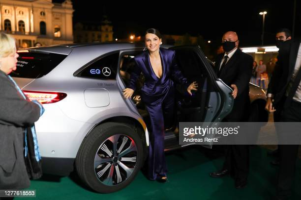 "Actress Juliette Binoche arrives for the ""La Bonne Epouse"" premiere during the 16th Zurich Film Festival at Kino Corso on September 30, 2020 in..."