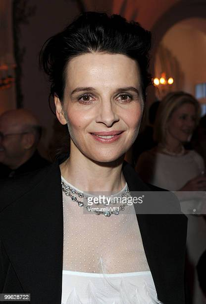 CANNES FRANCE MAY 15 Actress Juliette Binoche attends the Vanity Fair and Gucci Party Honoring Martin Scorsese during the 63rd Annual Cannes Film...