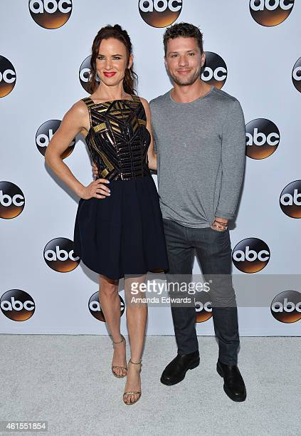 Actress Juliette Lewis and actor Ryan Phillippe arrive at the ABC TCA 'Winter Press Tour 2015' Red Carpet on January 14 2015 in Pasadena California
