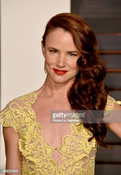 Actress Juliette Lewis attends the 2015 Vanity Fair Oscar Party hosted by Graydon Carter at Wallis Annenberg Center for the Performing Arts on...