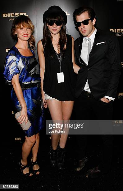 actress Juliette Lewis model Daisy Lowe and DJ Mark Ronson attend Diesel Black Gold Spring 2009 at The Tent Bryant Park on September 8 2008 in New...