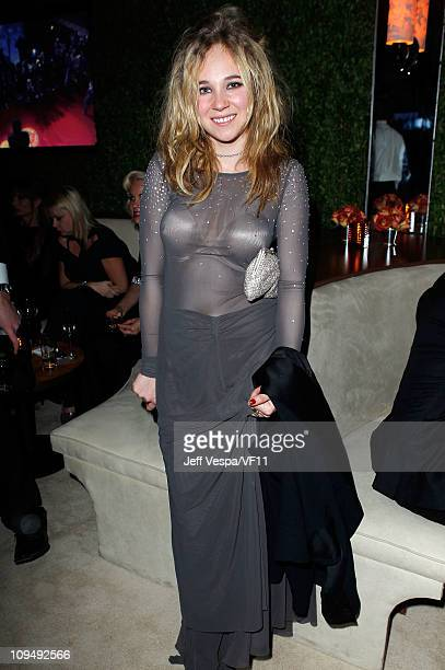 Actress Juno Temple attends the 2011 Vanity Fair Oscar Party Hosted by Graydon Carter at the Sunset Tower Hotel on February 27 2011 in West Hollywood...