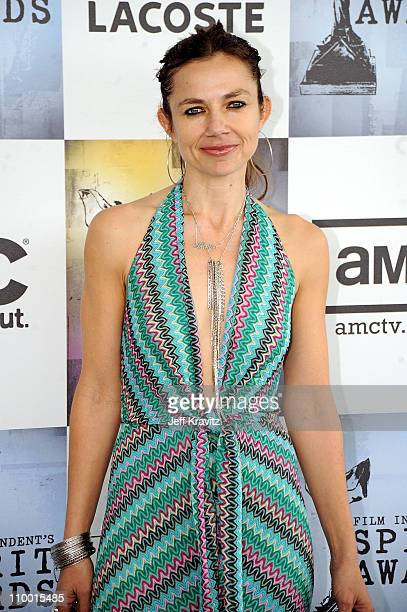 Actress Justine Bateman arrives at the 2009 Film Independent Spirit Awards held at the Santa Monica Pier on February 21 2009 in Santa Monica...