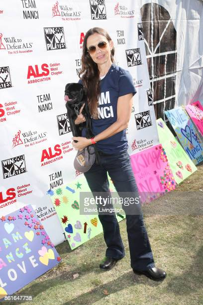 Actress Justine Bateman attends Nanci Ryder's Team Nanci at the 15th Annual LA County Walk to Defeat ALS at the Exposition Park on October 15 2017 in...