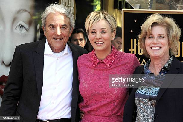 Actress Kaley Cuoco and parents Gary Cuoco and Layne Ann Cuoco at The Hollywood Walk Of Fame Star ceremony honoring Kaley Cuoco on October 29 2014 in...