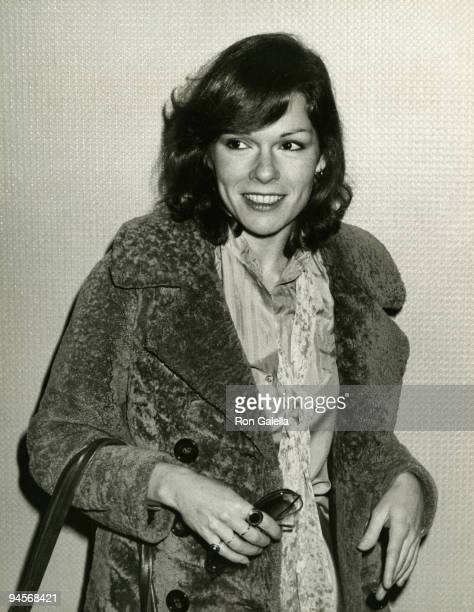 Actress Karen Lynn Gorney attends the premiere of Saturday Night Fever on December 12 1977 at Loew's State I Cinema in New York City