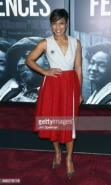 Actress Karen Pittman attends the Fences New York screening at Rose Theater Jazz at Lincoln Center on December 19 2016 in New York City