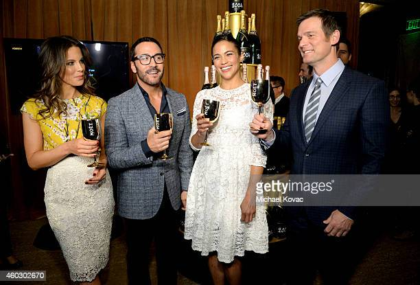 Actress Kate Beckinsale actor Jeremy Piven actress Paula Patton and actor Peter Krause attend the Moet Chandon Toast at The 72nd Annual Golden Globe...