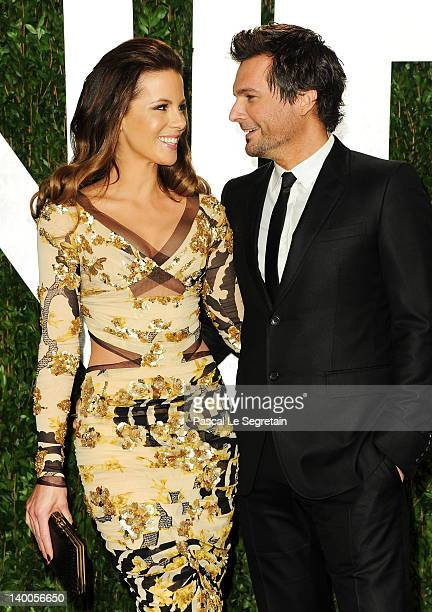 Actress Kate Beckinsale and director Len Wiseman arrive at the 2012 Vanity Fair Oscar Party hosted by Graydon Carter at Sunset Tower on February 26...