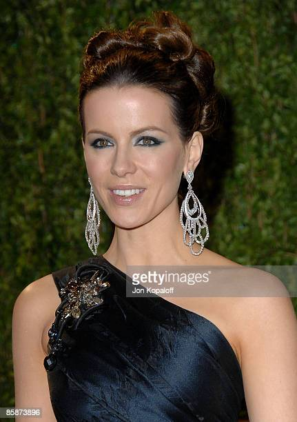 Actress Kate Beckinsale arrives at the 2009 Vanity Fair Oscar Party at the Sunset Tower on February 22, 2009 in West Hollywood, California.