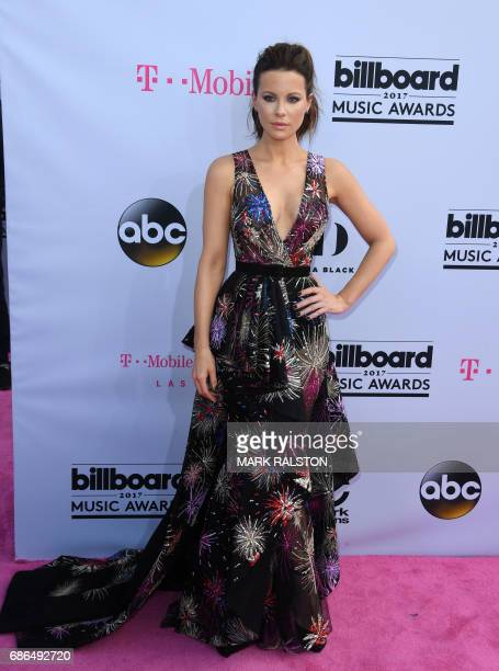 Actress Kate Beckinsale arrives for the 2017 Billboard Music Awards at the TMobile Arena on May 21 2017 in Las Vegas Nevada / AFP PHOTO / MARK RALSTON