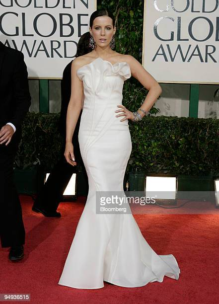 Actress Kate Beckinsale arrives for the 66th Annual Golden Globe Awards in Beverly Hills California US on Sunday Jan 11 2009 Heath Ledger received a...