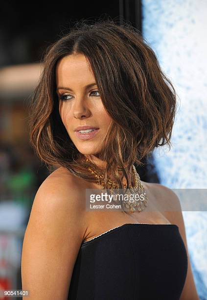 Actress Kate Beckinsale arrives on the red carpet of the Los Angeles premiere of Whiteout at the Mann Village Theatre on September 9 2009 in Westwood...