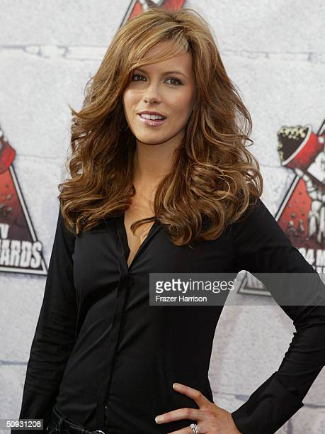 Actress Kate Beckinsale arrives to the 2004 MTV Movie Awards at the Sony Pictures Studios on June 5 2004 in Culver City California The 2004 MTV Movie...