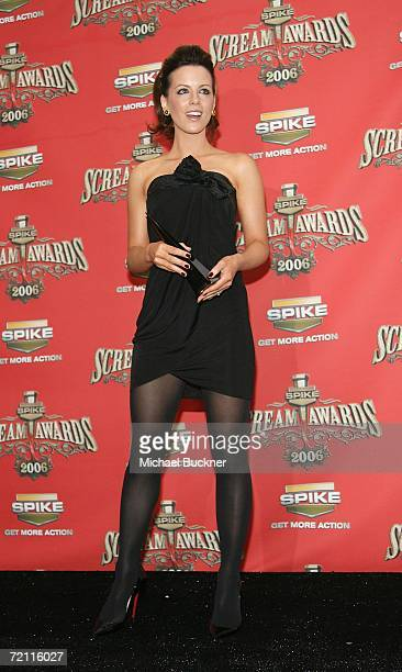 Actress Kate Beckinsale winner of Scream Queen poses with her award in the press room for Spike TV's Scream Awards 2006 at the Pantages Theatre on...